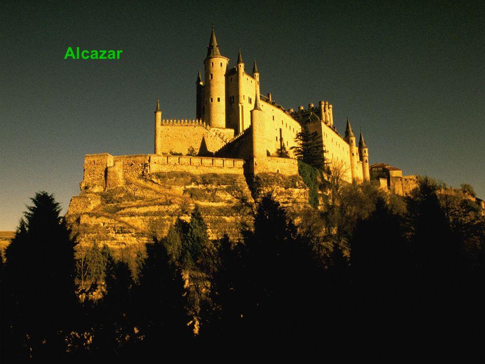 Památník Alfonsa XII. ( otevřeno 1922 ) Alcazar
