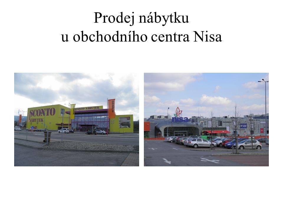 Prodej nábytku u obchodního centra Nisa