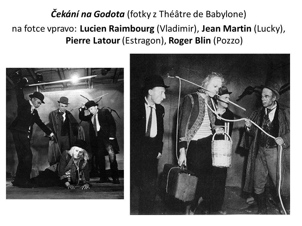 Čekání na Godota (fotky z Théâtre de Babylone) na fotce vpravo: Lucien Raimbourg (Vladimir), Jean Martin (Lucky), Pierre Latour (Estragon), Roger Blin (Pozzo)