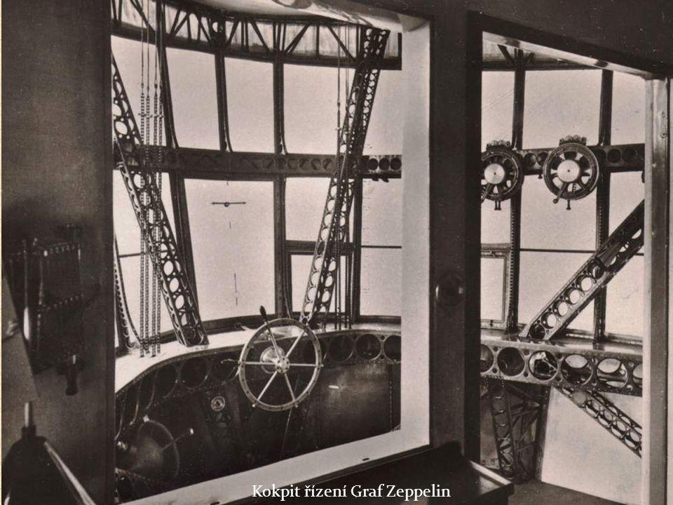 Radistou vzducholodi Graf Zeppelin byl plukovník Klink Overall length 98 ft.