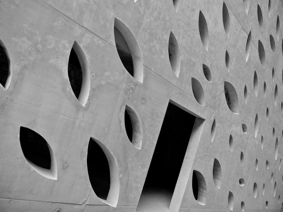Celkem 36m 3 betonu SCC (self consolidating concrete) EASYCRETE SV C 30/37 XF1 Dmax 16mm konzistence SF2 (rozlití 660-750mm) Čerpání do bednění zespodu 4 otvory Betony pro moderní stavby a design