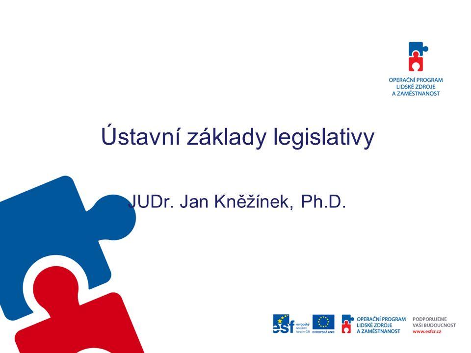 Právní stát Česká republika je svrchovaný, jednotný a demokratický právní stát založený na úctě k právům a svobodám člověka a občana (čl.
