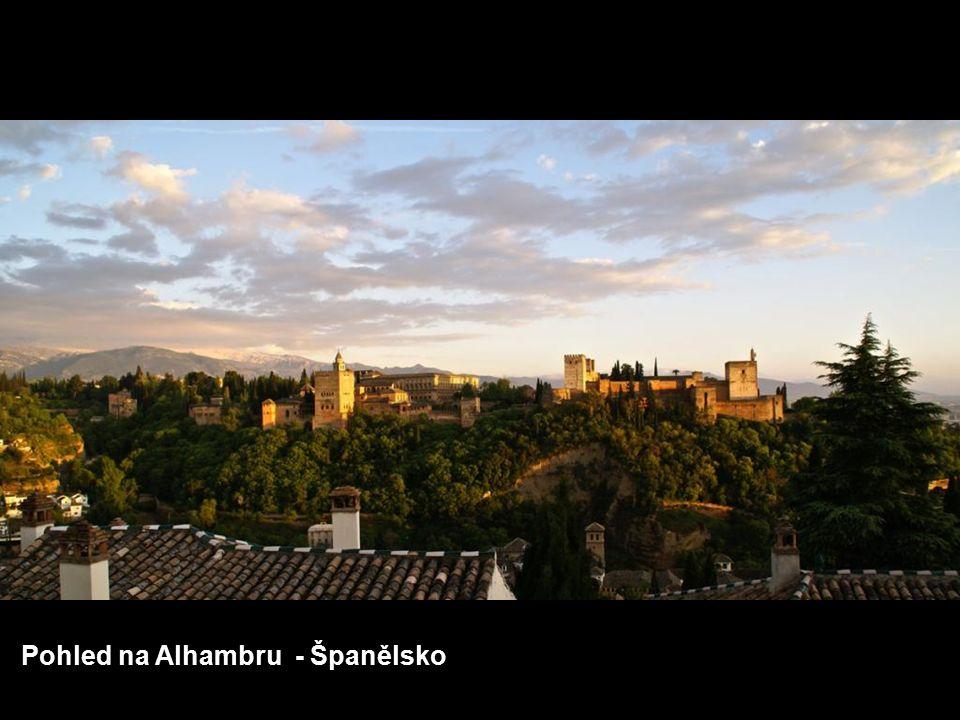Calton Hill, kopec, který nabízí nejkrásnější pohledy na Edinburgh – Skotsko