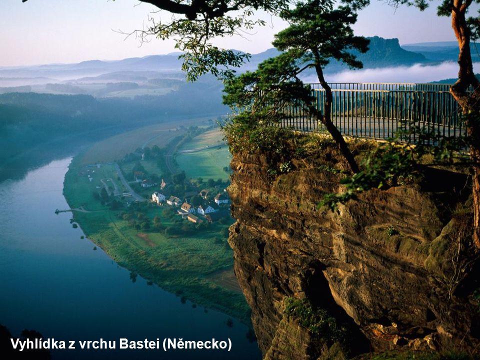 Vyhlídka z vrchu Bastei (Německo)