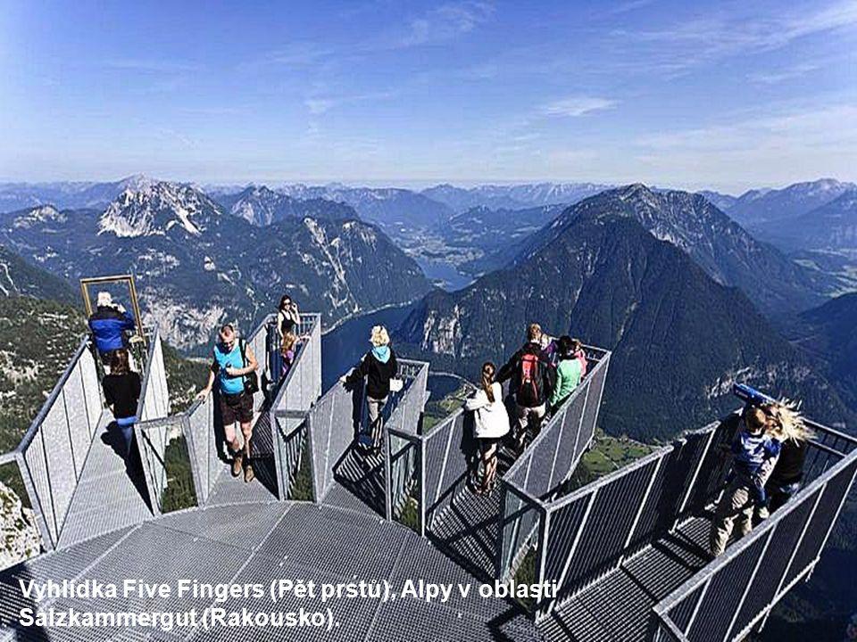 Vyhlídka Five Fingers (Pět prstů), Alpy v oblasti Salzkammergut (Rakousko).