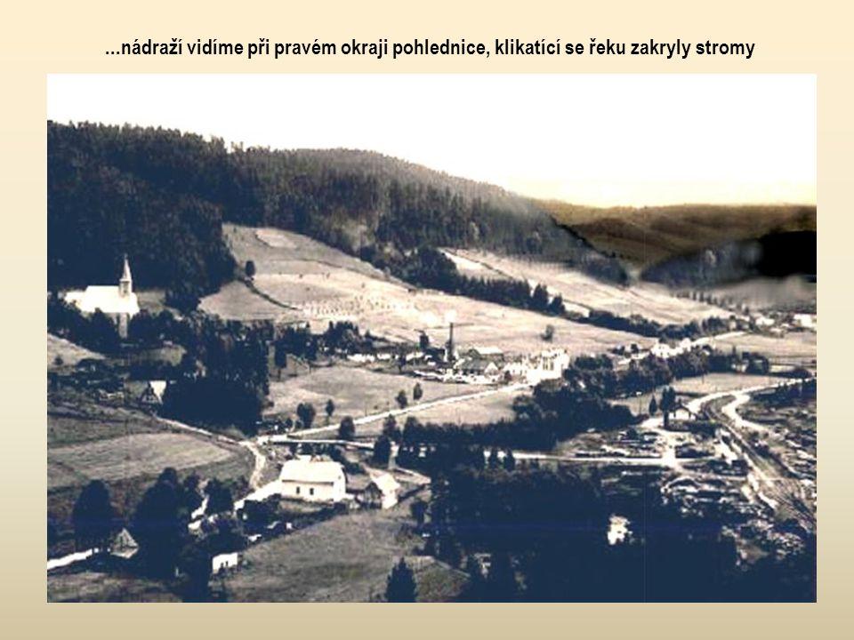 """Staré Hamry – dřeviště (pův. nákladiště """"kníže-arcibiskupského velkostatku"""") a nádraží FBD (uprostřed snímku) leželo v km 15,1 až 15,4 a na levém břeh"""