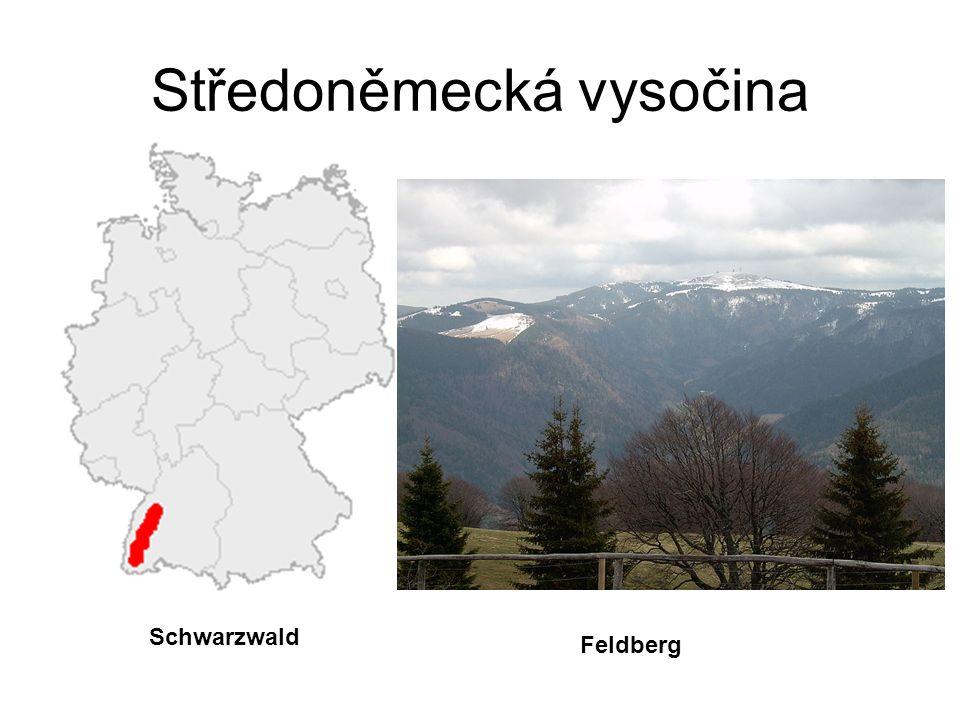 Středoněmecká vysočina Středoněmecká vysočina nabývá směrem od severu k jihu na výšce a rozloze.