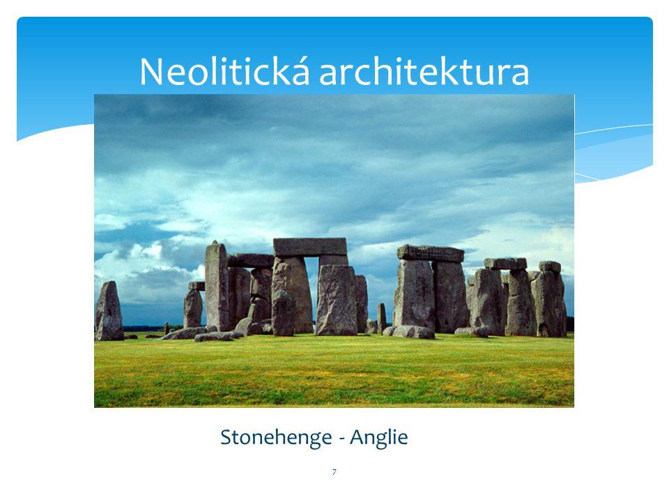 7 Stonehenge - Anglie