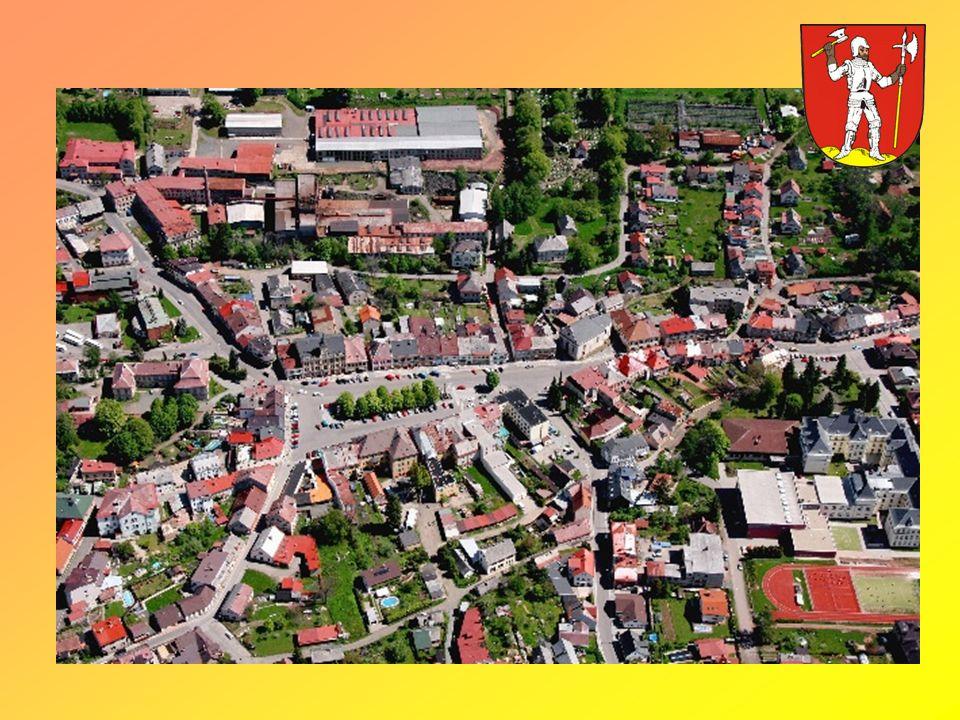 Představení Lomnice Letovisko a zimní středisko ležící v atraktivní oblasti pod horou Tábor (678 m.n.m.) v širokém úvalu říčky Popelky na pomezí Českého ráje a Krkonoš.