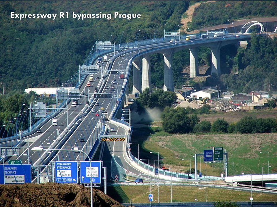 Expressway R1 bypassing Prague