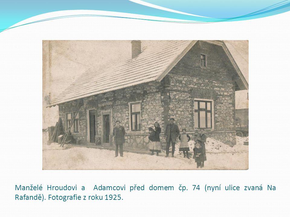 Aloisie a Čeněk Jandákovi s dětmi Jaroslavou a Jiřím.