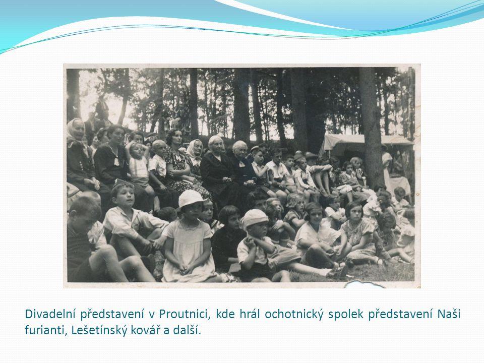 Masopustní maškary v Radovesnicích přibližně z roku 1969.