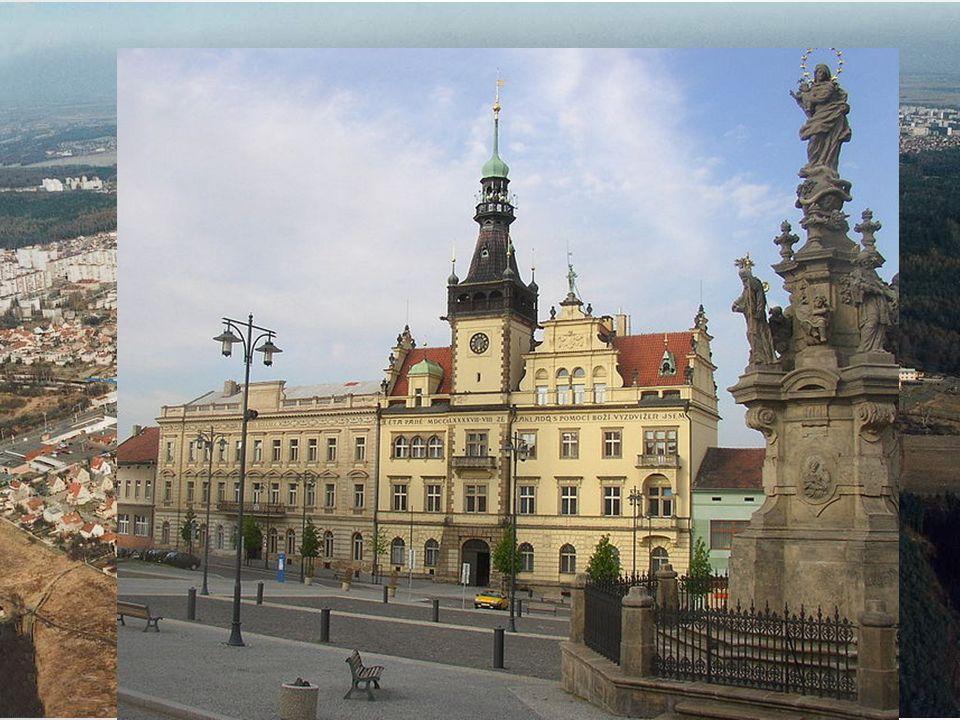 KLADNO V Kladně žije asi 72 600 obyvatel. První zmínky o městě jsou ze začátku 14.