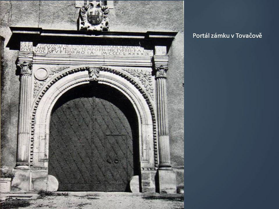 Portál zámku v Tovačově