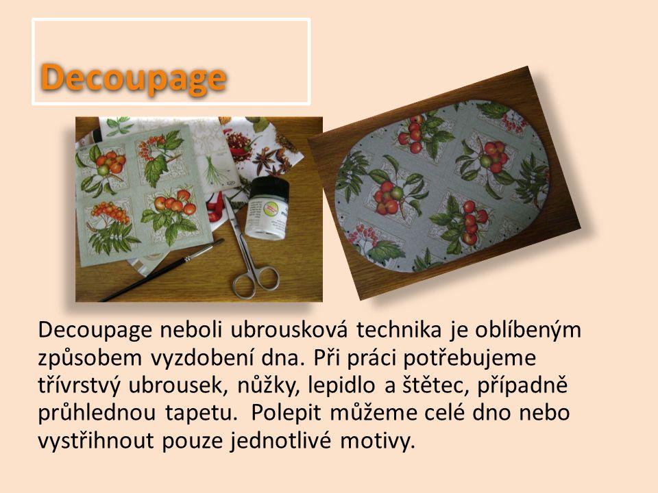 Příprava dna Dno na pletení košíků si můžeme zakoupit ve výtvarných potřebách spolu s pedigem, můžeme si jej také objednat z internetového obchodu.
