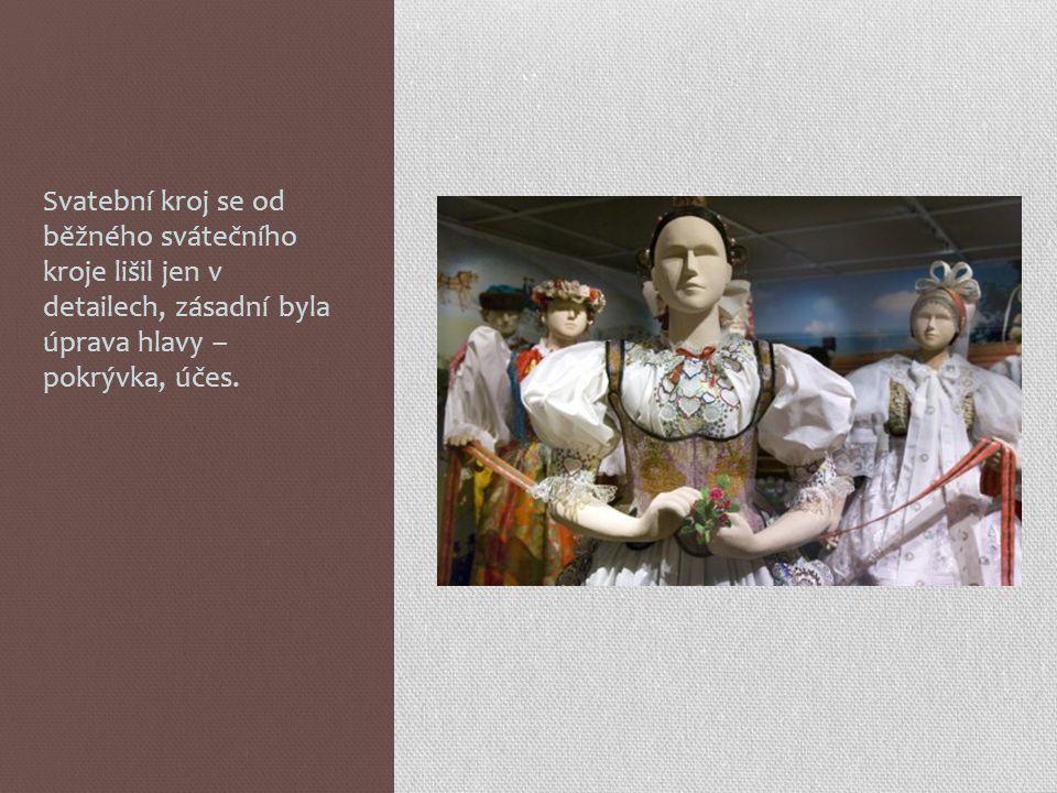 """Svatební šaty z období """"II. rokoka , 1850 – 1870."""