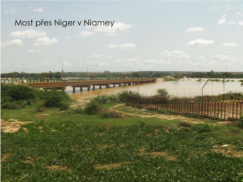 Most přes Niger v Niamey