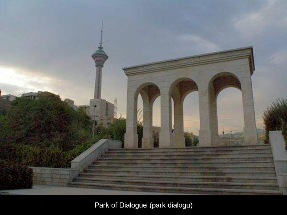 Socha Biruni (perský astronom) v parku Park of Statues