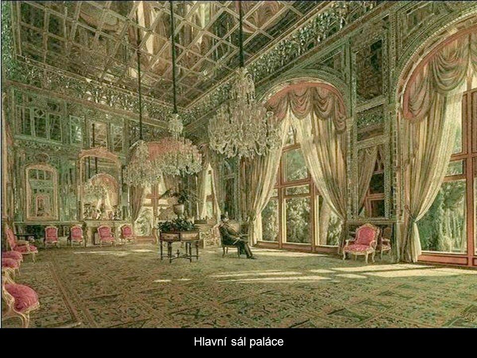 Palác Golestan Palace byl postaven v 16. století a renovován v 18. století.