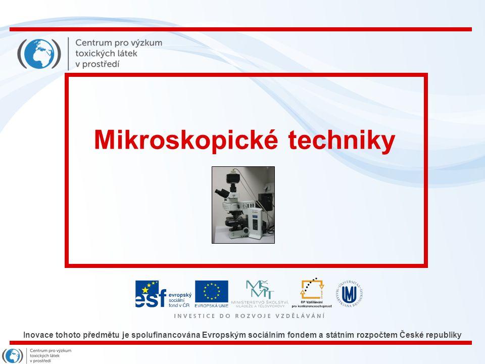Snímek 9 Mikroskopické techniky - přímé počítání a pozorování v mikroskopu - často jsou mikroskopické techniky užívané při stanovení počtů živých (aktivních) mikroorganismů ve vzorcích kontaminované vody, půdy, sedimentu Mikroskopická sledování mohou být velmi nespolehlivá rušena koloidní organickou hmotou a org.