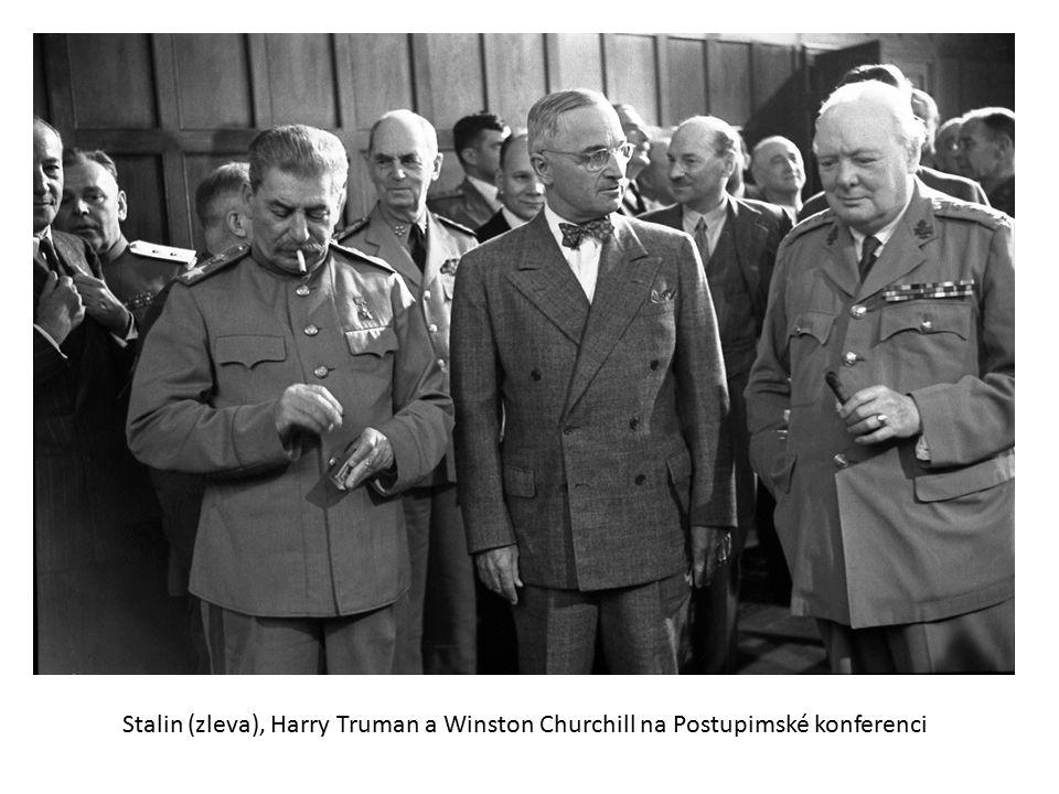 Stalin (zleva), Harry Truman a Winston Churchill na Postupimské konferenci