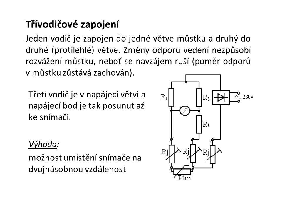 Třetí vodič je v napájecí větvi a napájecí bod je tak posunut až ke snímači.