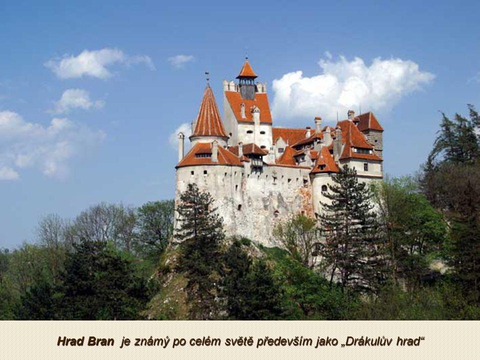 Peleš - tajemný hrad v Karpatech prý svou krásou uchvátil rumunského diktátora Ceaucsescu natolik, že si jej zvolil za soukromé sídlo