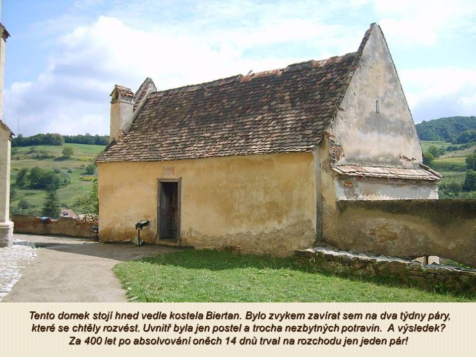 Sibiu - Biertan pevnost - vesnice s opevněným kostelem v Transylvánii.