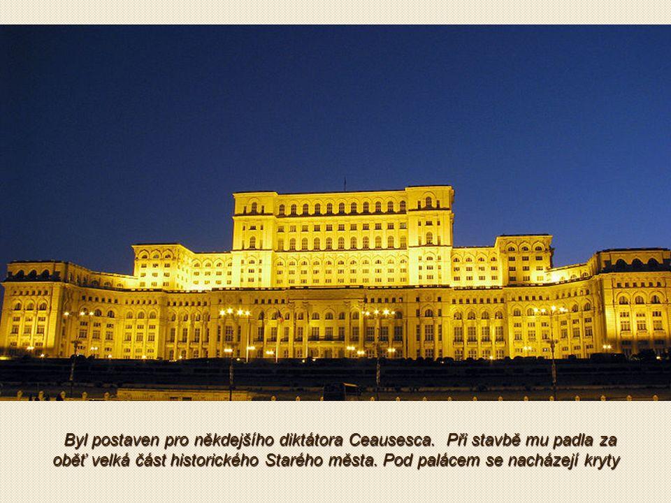 Palác Parlamentu je sídlem rumunských státních orgánů (parlament, ústavní soud, atd).