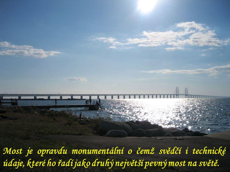 Most je opravdu monumentální o čemž svědčí i technické údaje, které ho řadí jako druhý největší pevný most na světě.