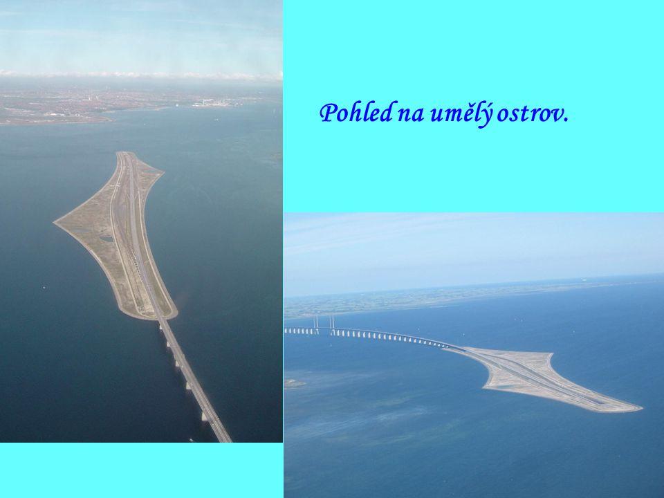 Pohled z mostu na Malmö.