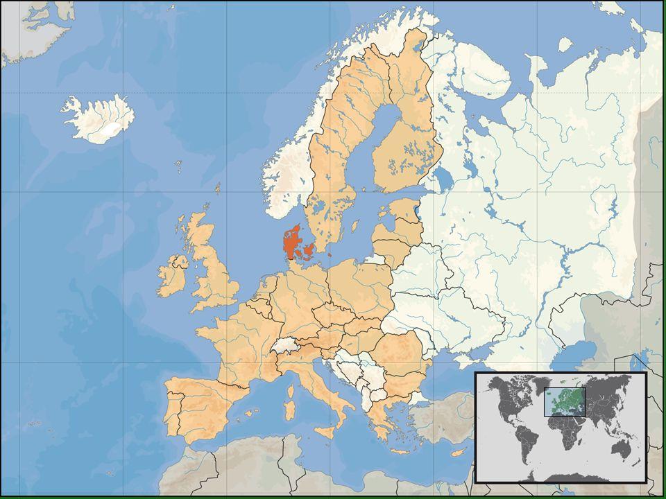 Hlavní město: Kodaň Počet obyvatel (2006): 5 450 661 Správní členění: 14 okresů a 2 města Státní zřízení: království Hlava státu (2006): MARGRETHE II Úřední jazyk: dánština Forma vlády: konstituční monarchie Vodstvo: nejdelší řeka - Gudena