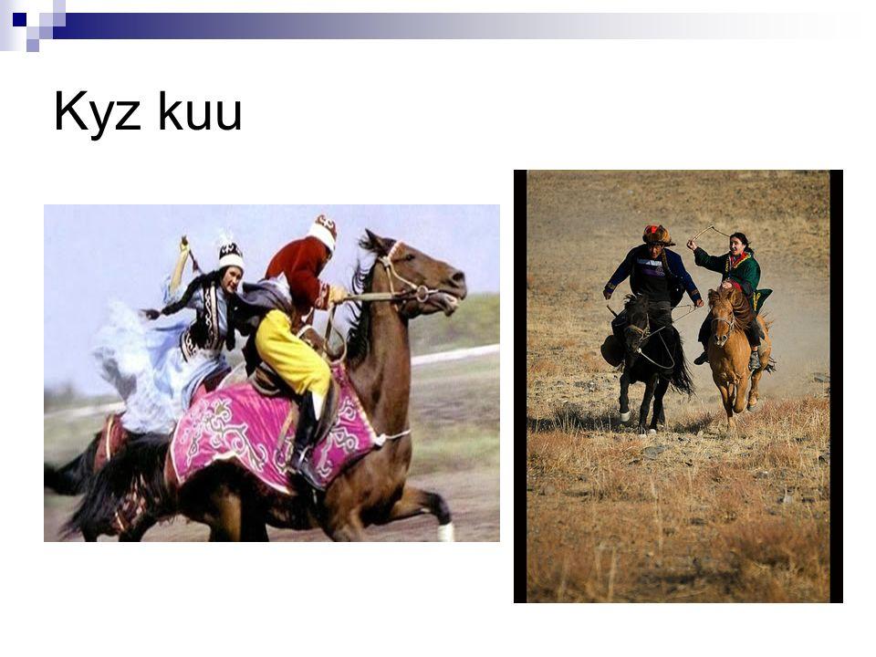 Tradice: Narození dítěte: Akušerky (starší ženy) Jizerlik (talisman) Dachdaan (přívěšek) Gille (zákaz přiblížení se k novorozenci)