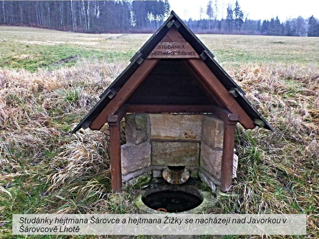 Studánky hejtmana Šárovce a hejtmana Žižky se nacházejí nad Javorkou v Šárovcově Lhotě