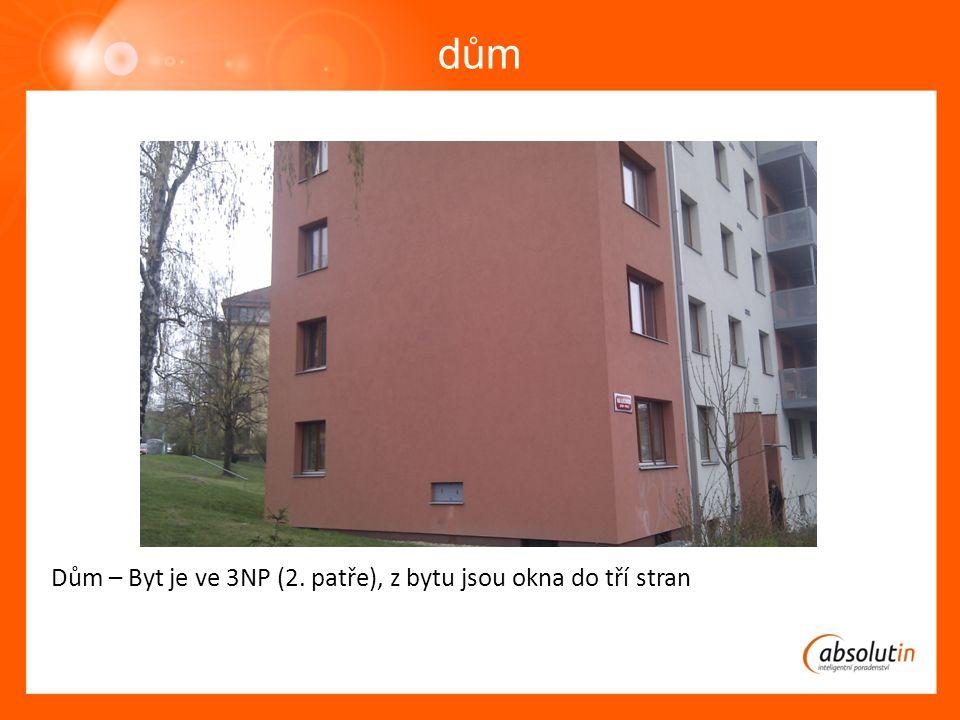 dům Dům – Byt je ve 3NP (2. patře), z bytu jsou okna do tří stran
