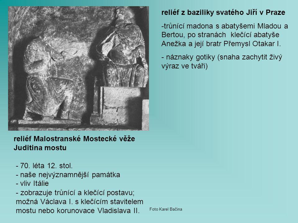 - zobrazuje trůnící a klečící postavu; možná Václava I.
