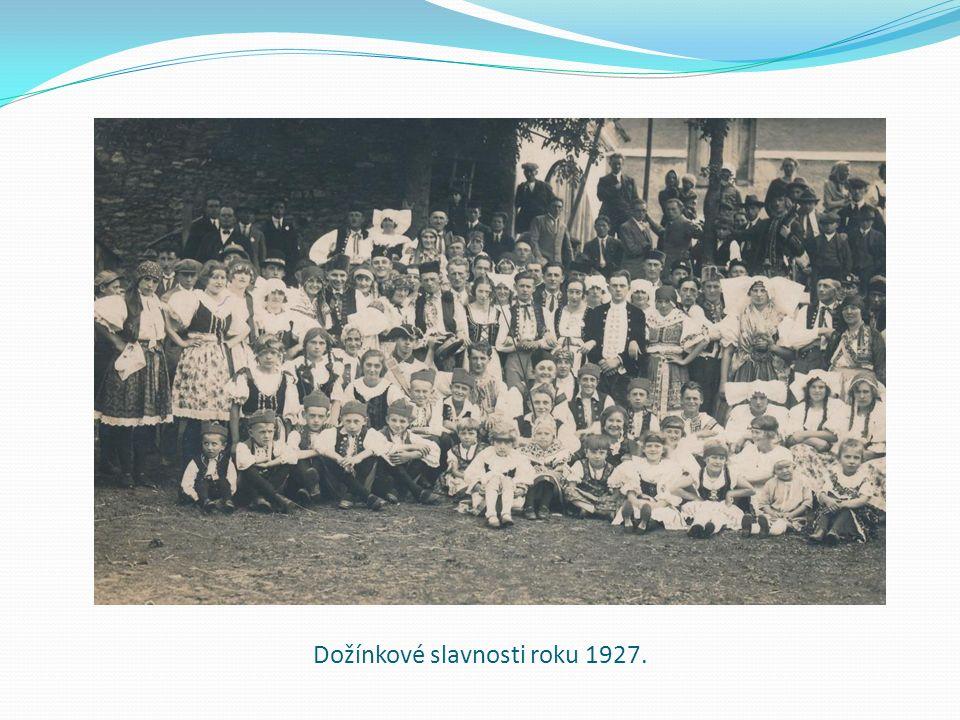 Dožínkové slavnosti roku 1927.