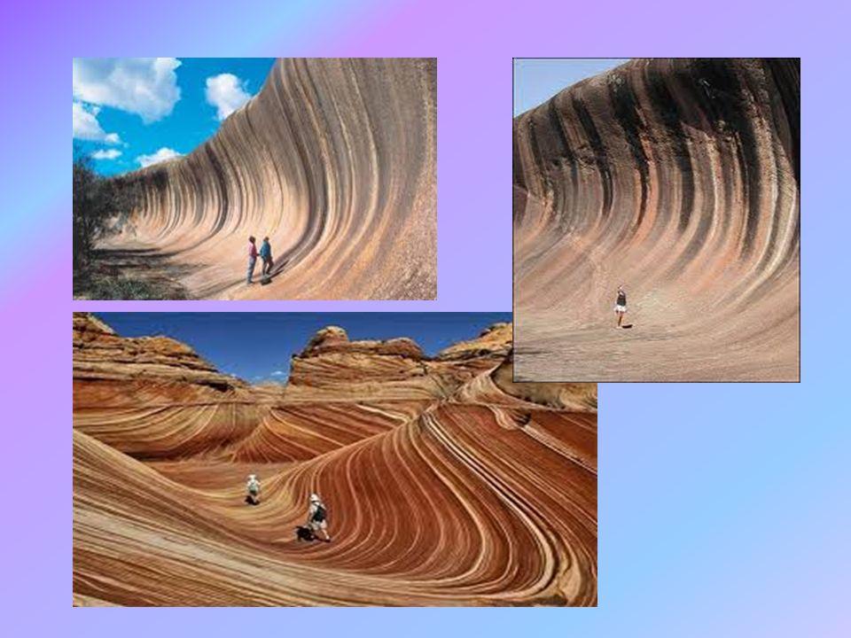 Ballova Pyramida- Nový Jižní Wales Rozkládá se na erozí rozhlodaném vulkánu a je to místo, které je od roku 1982 zapsáno do Seznamu světového kulturního a přírodního dědictví lidstva UNESCO Skála má délku 1100 m, šířku 400 m, výšku 552m Není na ní záliv ani pláž Byla objevena roku 1788, jméno má podle kapitána lodi