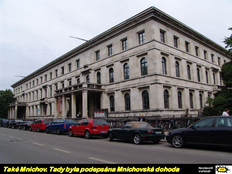 Munich, Königsplatz, místo nacistických shromá ž d ě ní a vojenských p ř ehlídek