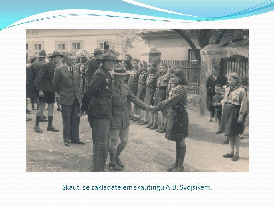 Skauti se zakladatelem skautingu A.B. Svojsíkem.