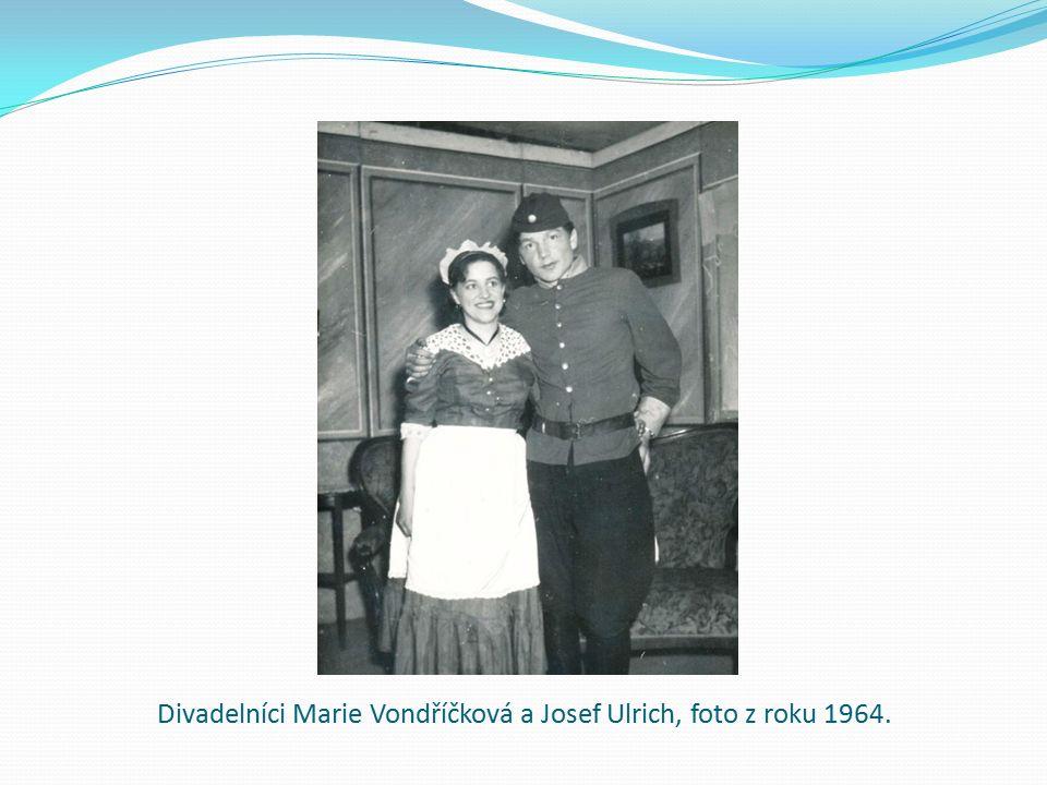 Divadelníci Marie Vondříčková a Josef Ulrich, foto z roku 1964.