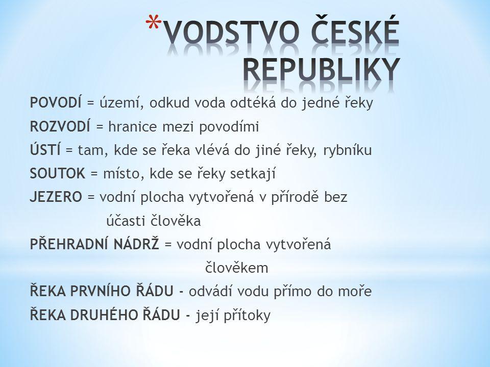 Řeky pramenící v ČR odvádí vodu do: a) Severního moře b) Baltského moře c) Černého moře.