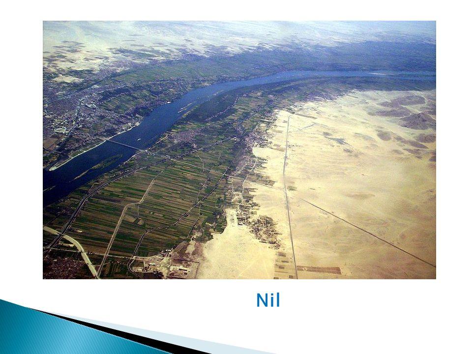 4) Na které dvě části byl Egypt původně rozdělen.