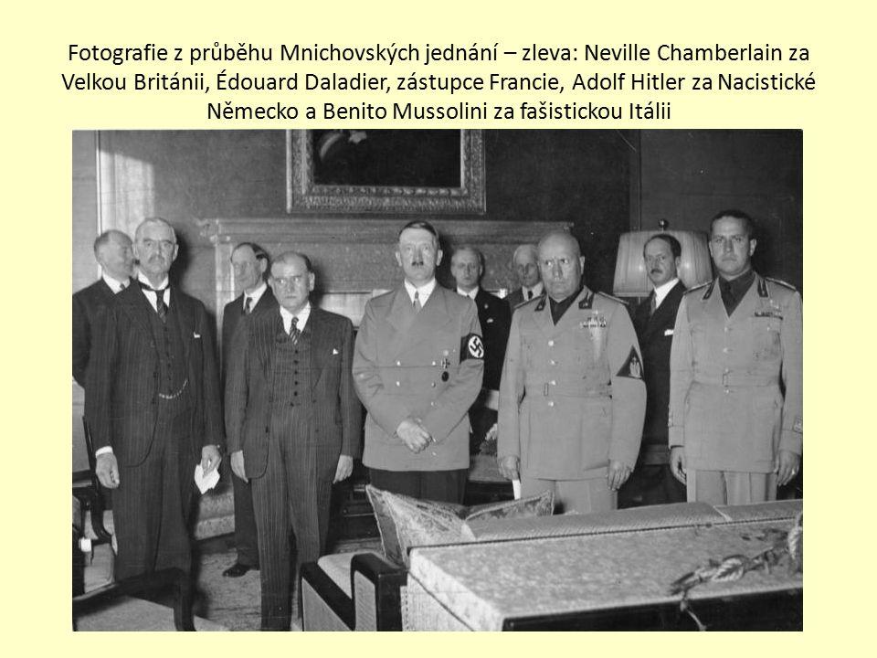 Fotografie z průběhu Mnichovských jednání – zleva: Neville Chamberlain za Velkou Británii, Édouard Daladier, zástupce Francie, Adolf Hitler za Nacisti