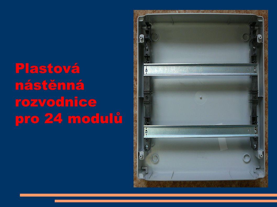 Plastová nástěnná rozvodnice pro 24 modulů