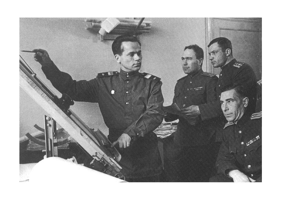  Narozen ve městě Kurja v Altejské oblasti  Po ukončení základní školy se vyučil zámečníkem  Na podzim roku 1938 nastoupil na základní vojenskou službu  Mechanik  Talentovaný technik  vyrobil počitadlo výstřelů k tankovému kanonu