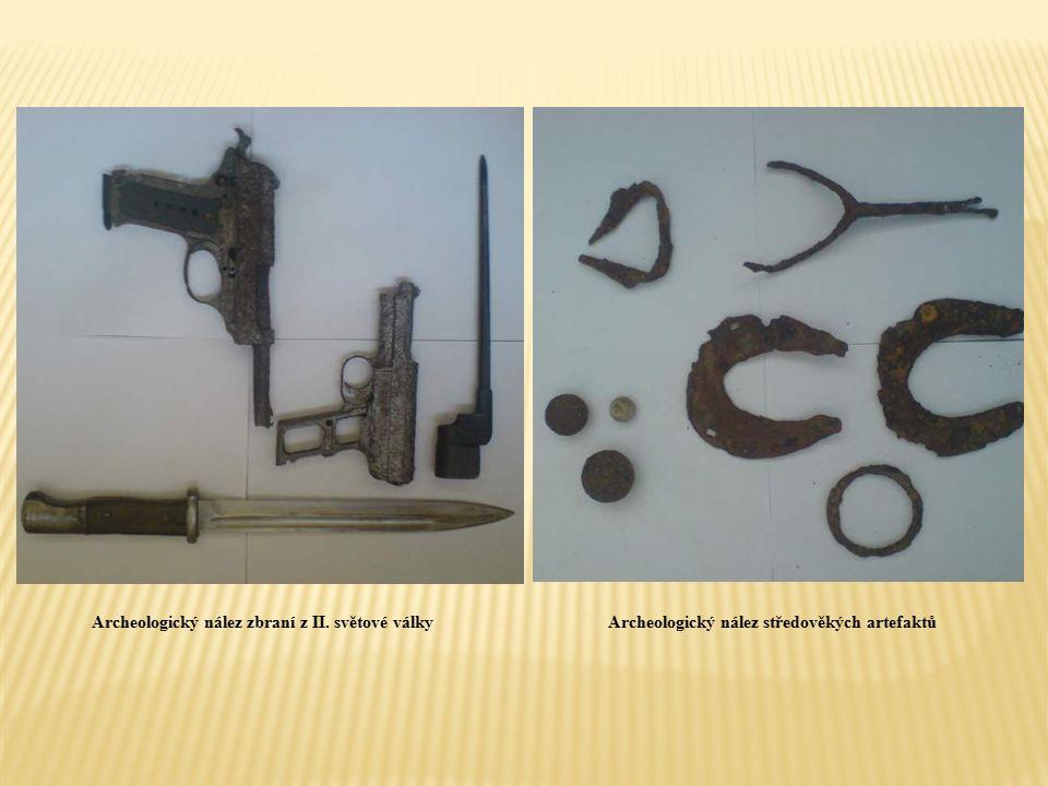 Archeologický nález zbraní z II. světové válkyArcheologický nález středověkých artefaktů