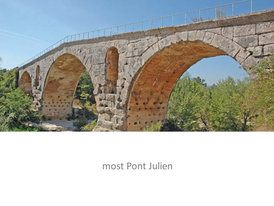 most Pont Julien