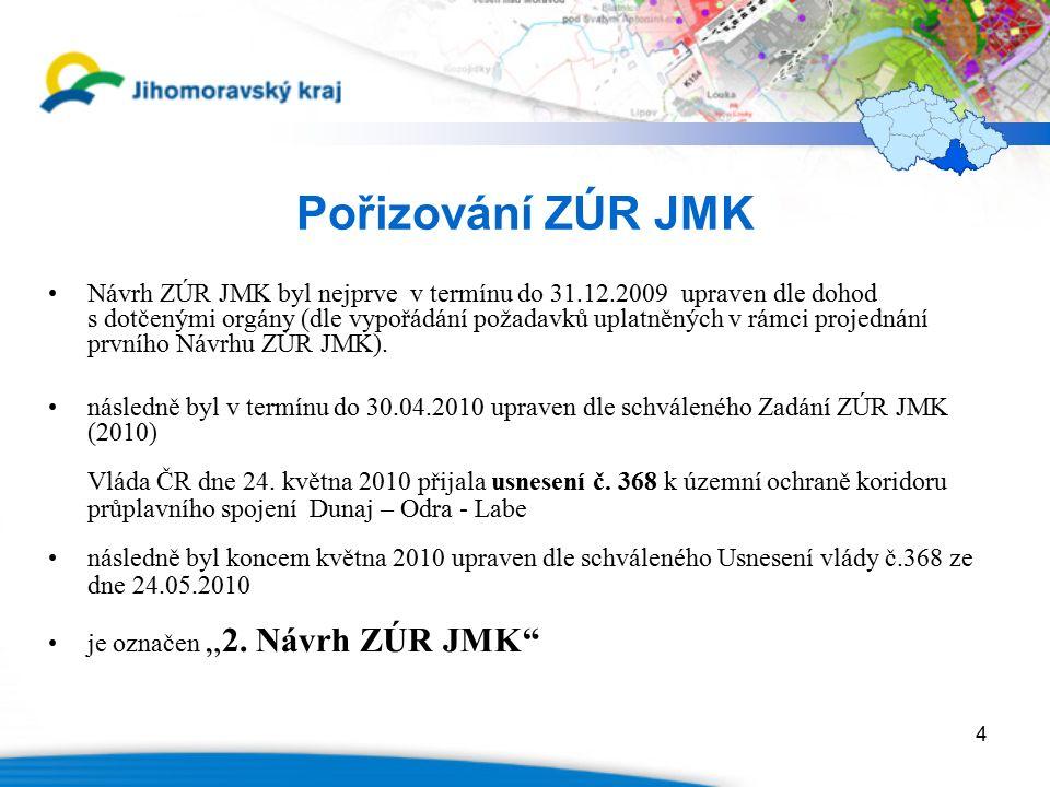 """5 Pořizování ZÚR JMK Věcně se úpravy Návrhu ZÚR JMK týkaly zejména : –doplnění Vyhodnocení vlivů ZÚR JMK na udržitelný rozvoj o """"Hodnocení vlivu na veřejné zdraví ( HIA ) –úprav Návrhu ZÚR JMK tak, aby byl v souladu s PÚR ČR 2008 –doplnění záměrů z technické a dopravní infrastruktury, které byly u prvního Návrhu ZÚR JMK přebírány z tehdy platného a nyní zrušeného ÚP VÚC Břeclavska ( zejména u R 52, R 55 a přeložky I/40 Mikulov – Břeclav ) –úprav Návrhu ZÚR JMK tak, aby byl v souladu s Usnesením vlády č."""