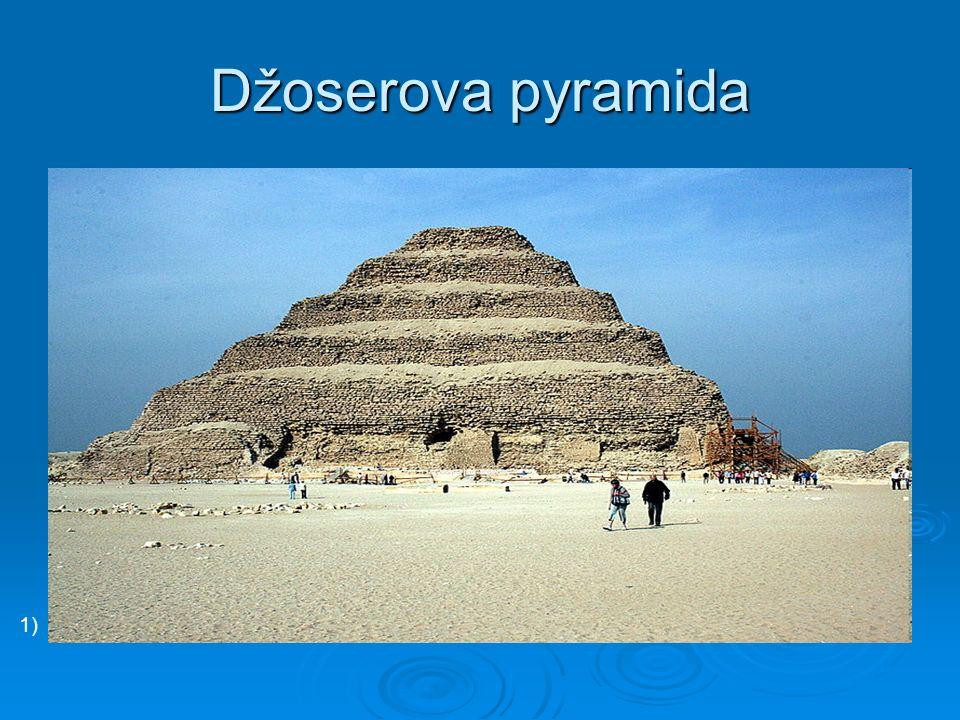 Džoserova pyramida 1)